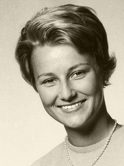 Queen Sonja of Norway  Wikipedia